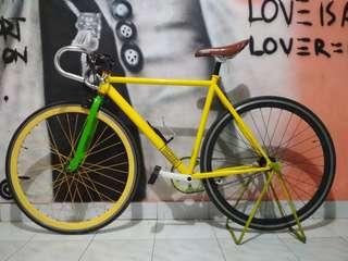 Fixie full bike