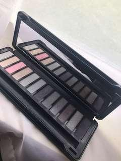 In the night- up in smoke- eyeshadow palette