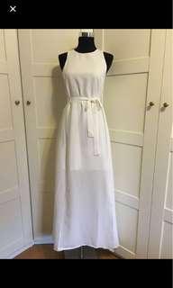 White Dress/ white maxi dress/ white long dress/ dress/ maxi dress/ long dress/ photoshoots/ prom dress/ maxi dress with slits
