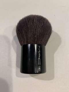 MAC kabuki brush 182