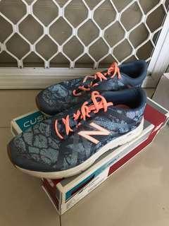 Sneakers wanita New Balance Original