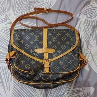 louis vuitton monogram saumur 35 cross-body