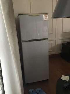 Hitachi Refrigerator the freezer is in good condition but fridge is not cooling