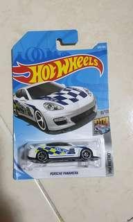 Hotwheels Porsche panamera