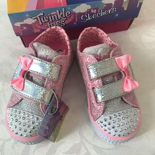 🚚 BN Skechers Baby Girl Light Up Twinkle Toes Pink Sneakers Shoes US7! For 1-2 years old!