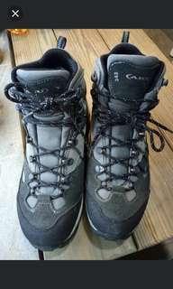 AKU342高性能中量防水登山鞋