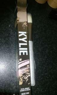 Kylie cosmetics - medium stippling brush #7