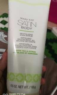 satin body  shea scrub
