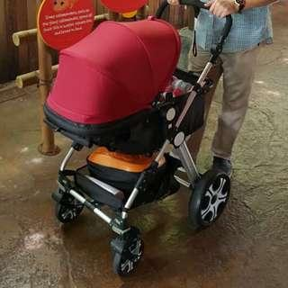 Stroller with customised cushion seat pad