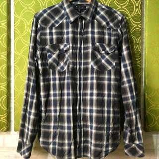 Plaid long sleeves shirt