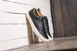 Vans old Skool (Lux Leather) Black/ Porcini in black