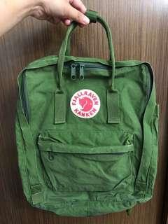 fjallraven kanken backpack leaf green 80% new