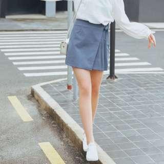 Side pleat skirt in ash blue