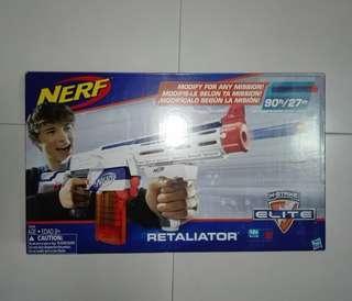 BNIB Nerf Elite Retaliator 90 Feet White Color with removable stock barrel grip 12-dart clip and 12 darts Hasbro TRU