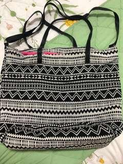 🚚 Cotton On Sling Bag