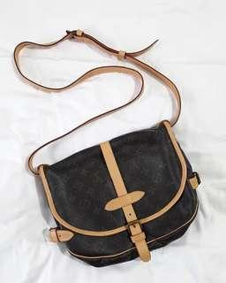 Authentic LOUIS VUITTON saumur 30 re-leather