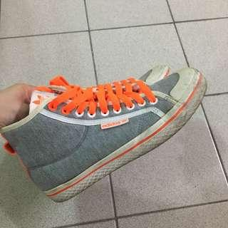 🚚 Adidas 高筒帆布鞋
