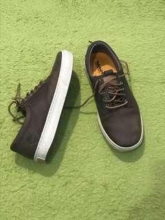 🚚 Timberland 棕色休閒鞋 9號