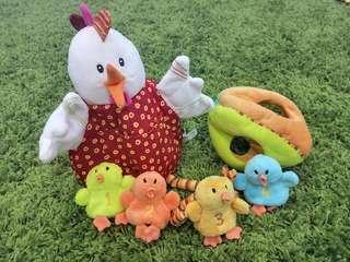Lilliputiens Ophelie Hen & 4 chicks