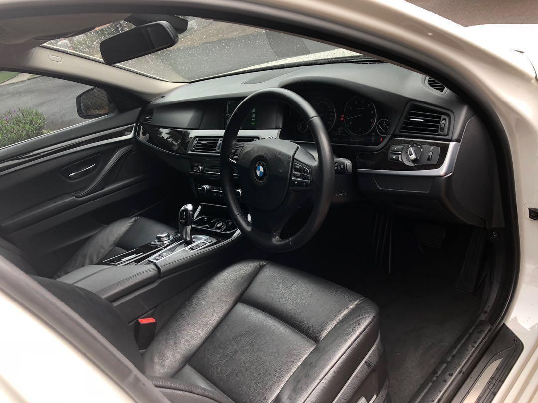 BMW 520i 2012 Luxury, SAYA TANGAN PERTAMA, Pajak panjang, full orisinil. TINGGAL PAKE AJA
