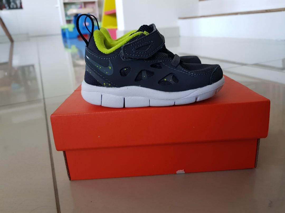 box Nike free run baby shoes 4C, Babies