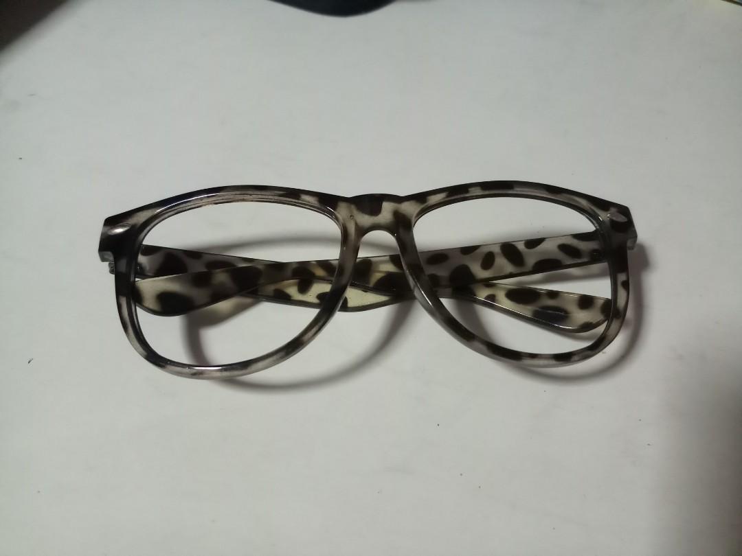893560de6f single11 Fake glasses
