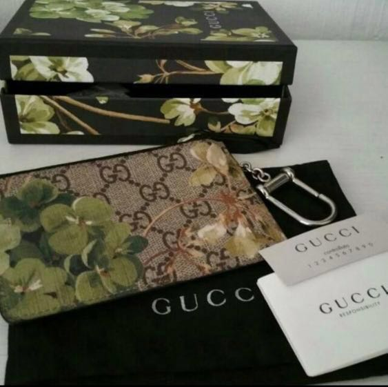 check out 4e4d7 3fc9f Gucci GG Blooms Key Case