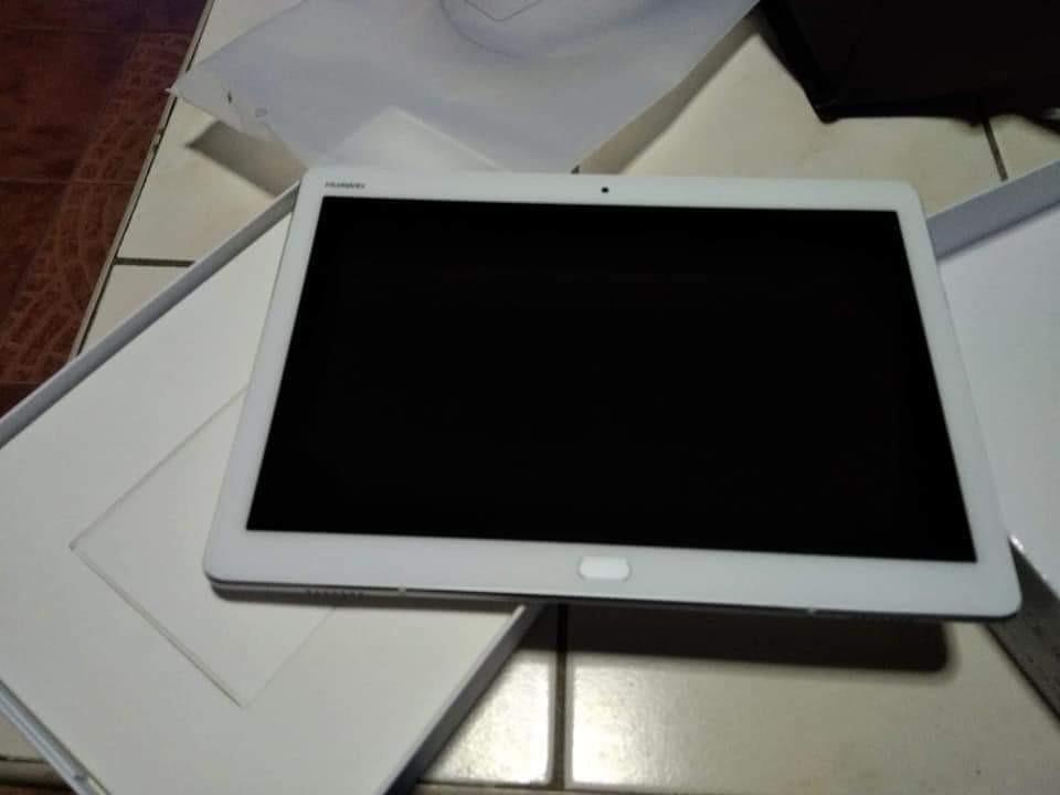 huawei mediapad 10 inches, Mobile Phones & Tablets, Android