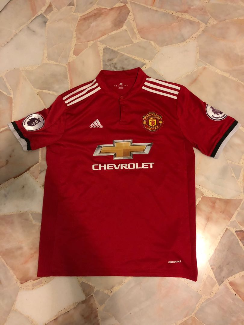 new styles eaaec 893fa Manchester united jersey Size M