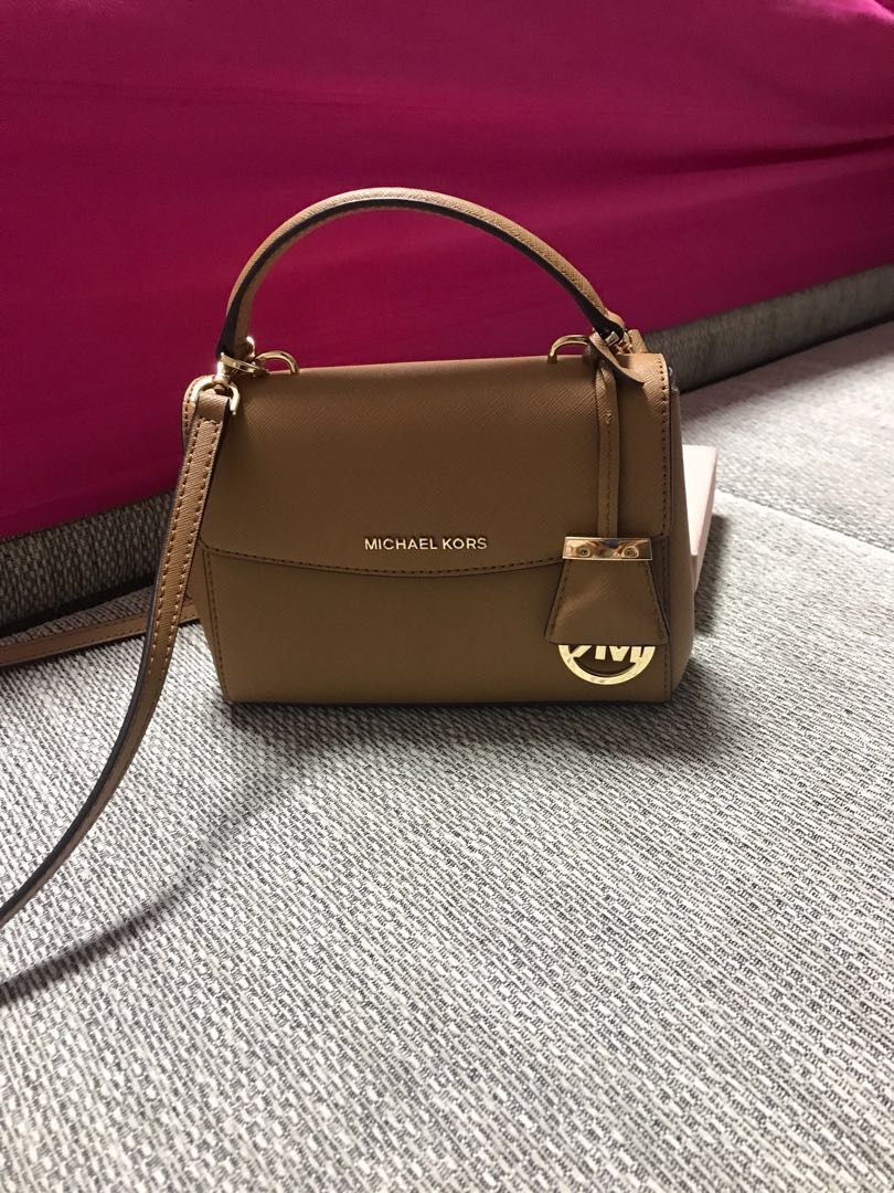a5f1722a7315 Michael Kors Sling Bag Authentic S Women Fashion Bags