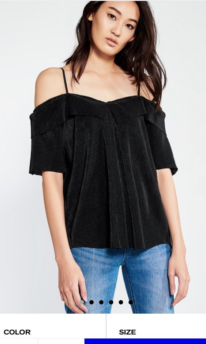Pomelo Bee Cut out shoulder Blouse 4d6ddb7db