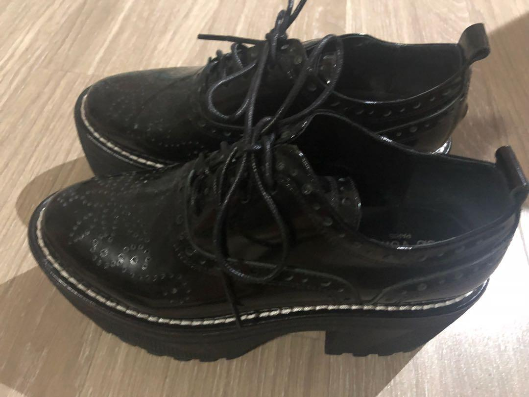PreOwe 38 Louis Vuitton LV Platform Shoe