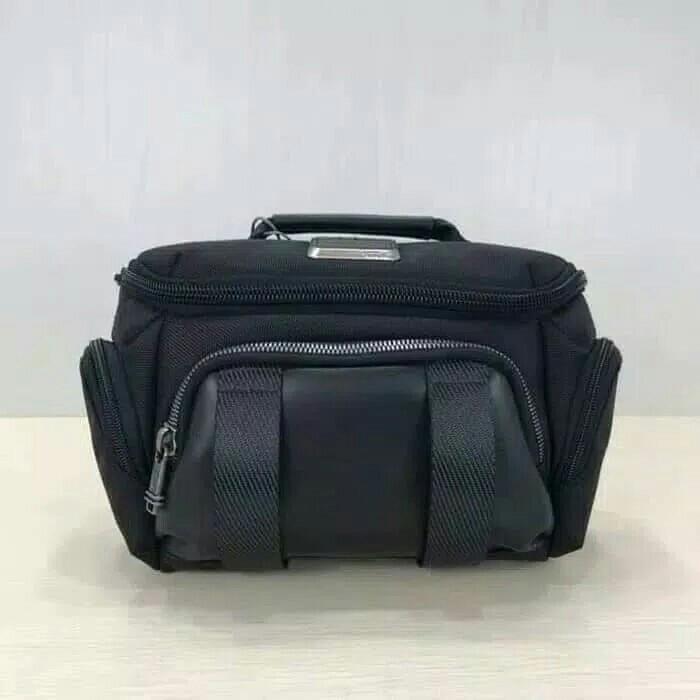 9279453e7fb Tas pinggang tumi  waist bag - black