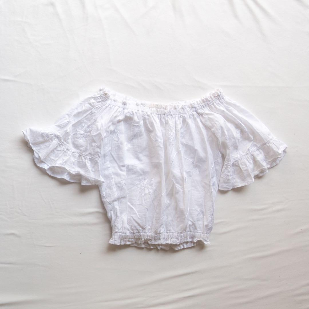WHITE OFF-THE-SHOULDER EMBROIDERED TOP