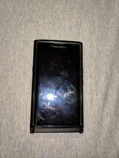 Blackberry Priv Tiny crack