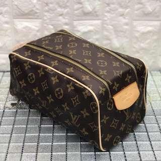 LV MAKE UP POUCH