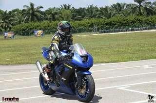 2010 Kawasaki zx10r race bike