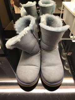 🚚 UGG淺牛仔灰藍中筒雪靴 Uk5 適穿