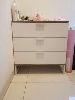 Lemari Ikea 3 laci