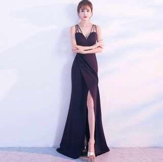 Shop your minimalistic maxi prom dress/evening gown here!