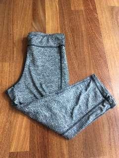 Size XS Emerson 3/4 tight legging
