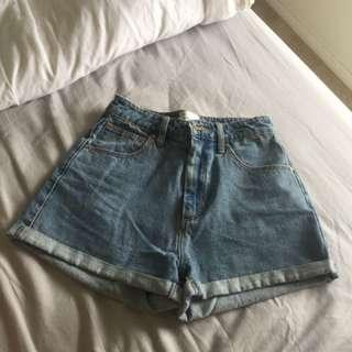 A brand high relaxed denim shorts