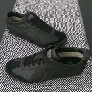 new product f6f1e 0b321 Sepatu acics onitsuka tiger full black original