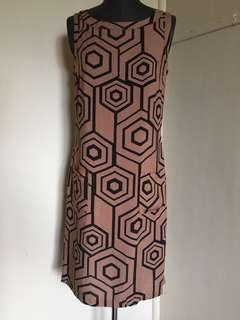 Size 10 geo print 60s look shift dress