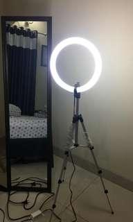 RING LIGHT LENGKAP TRIPOD DAN HOLDER.