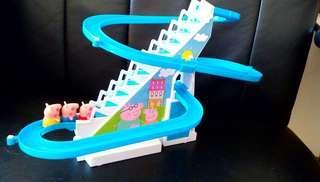 珮珮豬 上樓梯 溜滑梯 玩具