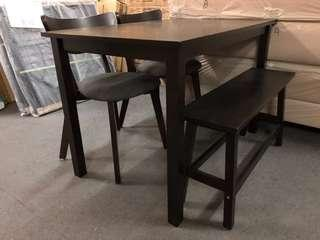 Solidwood dining set