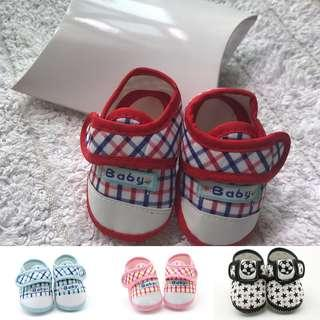 🚚 BN Baby Crib Shoes / Soft Shoes 0-6mths! With Gift Box! Baby shower gift! Ready stock!