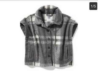 🚚 BN Old Navy Toddler Girl Grey Plaid Fleece Button Down Poncho! For 4 years old!
