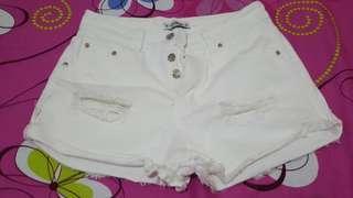 Pull and bear white shirts